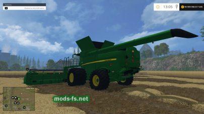 Комбайн John Deere 640 для уборки зерна в игре FS 2015