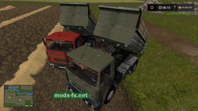МАЗ-5551 зеленого и красного цвета