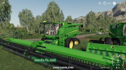 Комбайн John Deere S700 в игре FS 2019